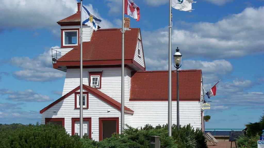 For Point Lighthouse Park - Building